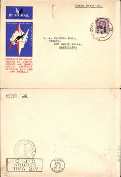 (Singapore) Imperial AW/Qantas, F/F Singapore to Sydney, bs 21/12, carried on the first regular weekly service UK-Australia, red/white/blue 'Kangaroo over map of Australia' souvenir cover, franked Straits Settlements 25c, imprint etiquette,