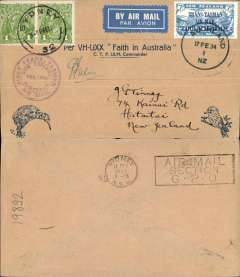 """(New Zealand) CP Ulm, first official mail, New Zealand to Australia, bs Sydney 17/2, franked 7d """"Trans Tasman"""" opt, special cachet, official blue'buff Kiwi/Kookaburra souvenir cover, signed by pilot CP Ulm."""