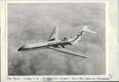 (Ephemera) British United Vickers VC 10, G-ATDJ, in flight, with extensive technical details verso. Original b&w photo with technical details verso., 21x16cm