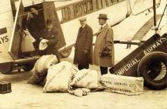 (Ephemera) Imperial Airways 1926, arrival of mail at Karachi from the first round trip by the liner 'Argosy'. A super 'Nostalgia sepia repr PPC..