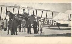 (Ephemera) Handley Page airliner G-EBBH ready for take off at Croydon SAirport c1928. PPC photocard, unused.