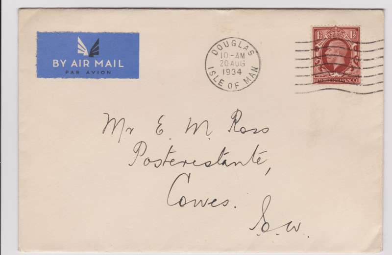 (GB Internal) Railway Air Service, an exceedingly rare first flight cover to Cowes Isle of Wight cancelled with the Douglas Isle of Man 10am postmark, Flown on the first stage to Manchester where the flight was terminated due to weather conditions, then forwarded by surface receiving theCowes 21 Aug backstamp. Franked with a KG V 1½d photogravure on its day of issue. Making it a double first (See Redgrove p61).